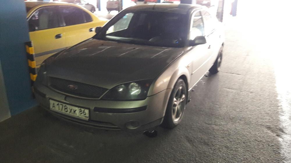Подержанный Ford Mondeo, хорошее состояние, бежевый , 2002 года выпуска, цена 220 000 руб. в ао. Ханты-Мансийском Автономном округе - Югре
