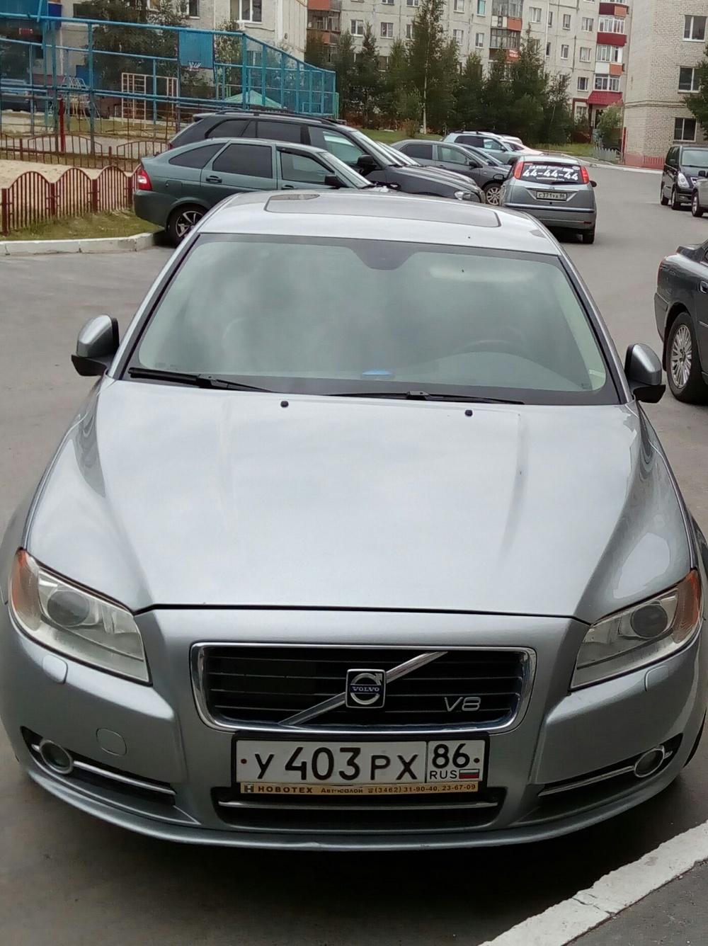 Подержанный Volvo S80, отличное состояние, серебряный , 2007 года выпуска, цена 750 000 руб. в ао. Ханты-Мансийском Автономном округе - Югре