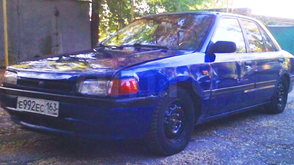 Подержанный Mazda 323, среднее состояние, синий , 1992 года выпуска, цена 62 000 руб. в Самаре