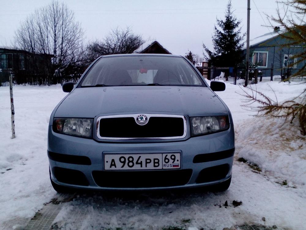 Подержанный Skoda Fabia, хорошее состояние, голубой металлик, 2005 года выпуска, цена 200 000 руб. в Смоленской области