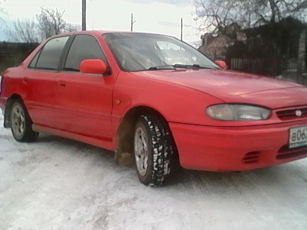 Подержанный Hyundai Lantra, хорошее состояние, красный , 1994 года выпуска, цена 70 000 руб. в Челябинской области