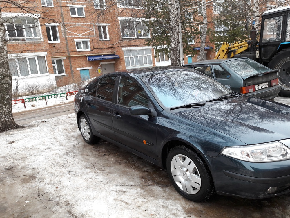 Подержанный Renault Laguna, хорошее состояние, зеленый перламутр, 2004 года выпуска, цена 315 000 руб. в республике Татарстане