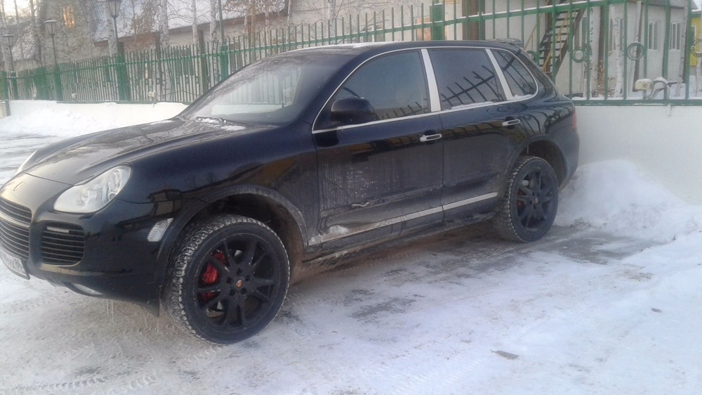 Подержанный Porsche Cayenne, отличное состояние, черный , 2004 года выпуска, цена 830 000 руб. в ао. Ханты-Мансийском Автономном округе - Югре