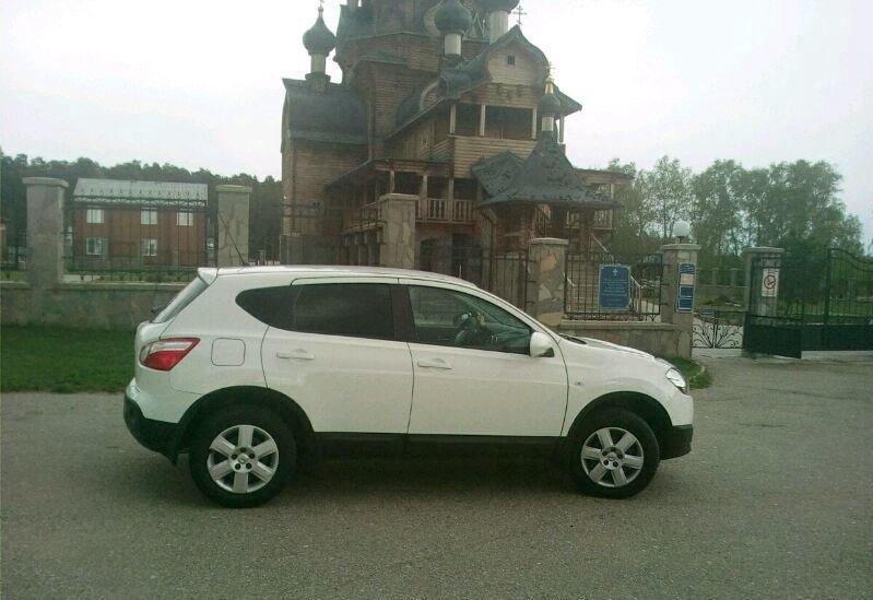 Подержанный Nissan Qashqai, отличное состояние, белый , 2013 года выпуска, цена 770 000 руб. в Челябинской области