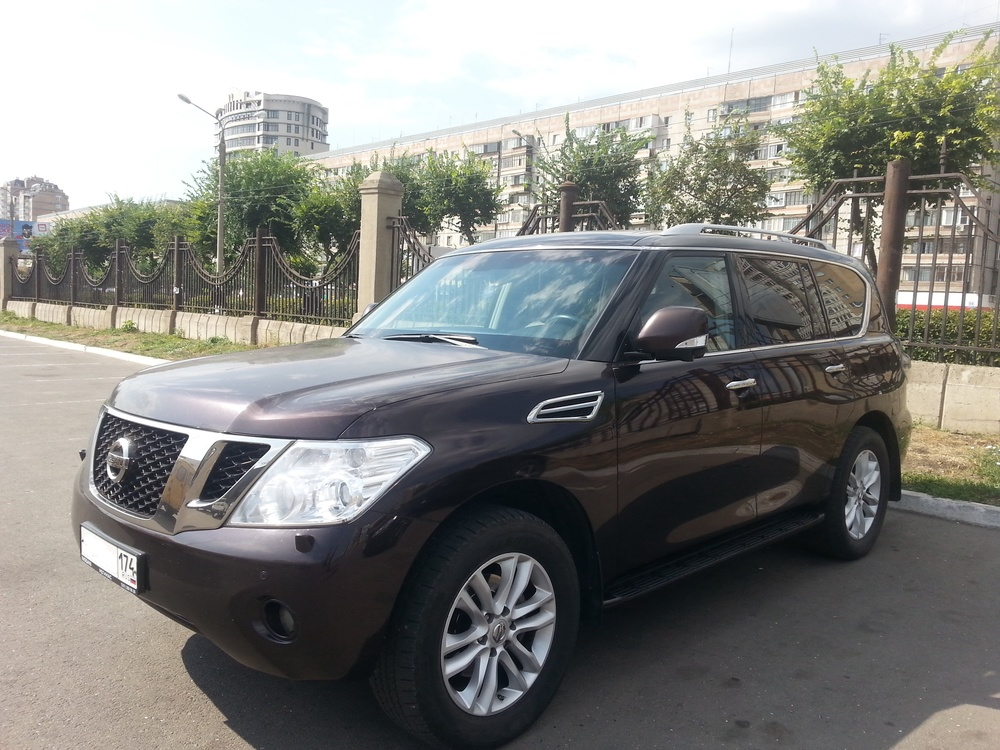 Подержанный Nissan Patrol, отличное состояние, бордовый , 2012 года выпуска, цена 1 900 000 руб. в Челябинской области