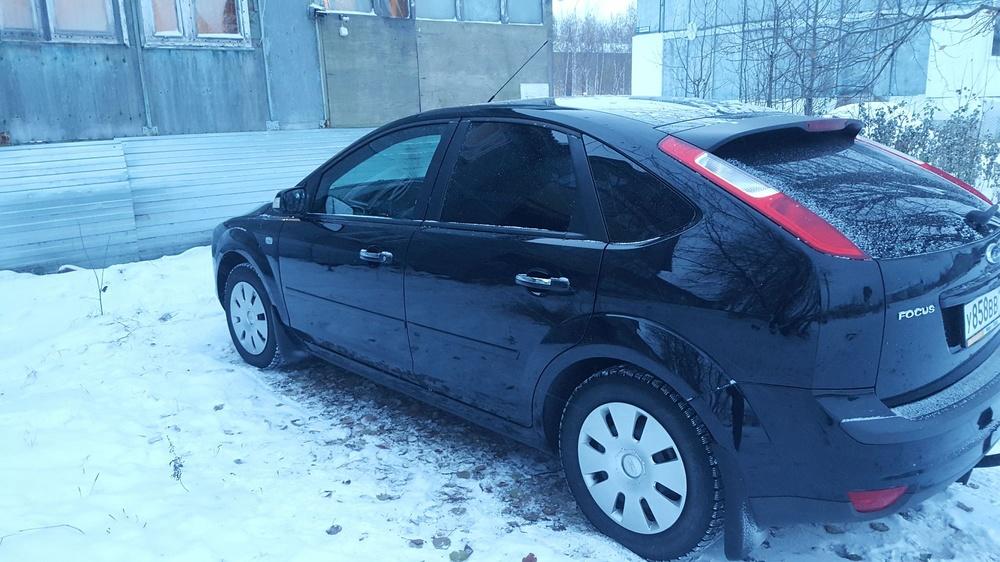 Подержанный Ford Focus, хорошее состояние, черный , 2007 года выпуска, цена 300 000 руб. в ао. Ханты-Мансийском Автономном округе - Югре