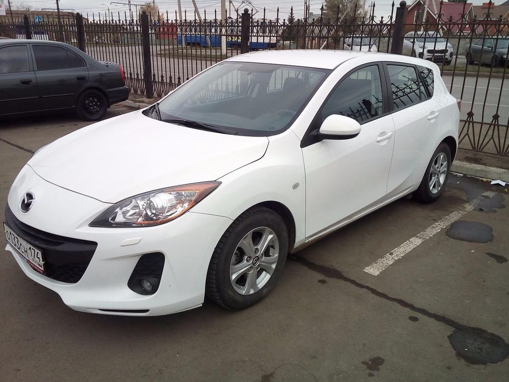 Подержанный Mazda 3, отличное состояние, белый , 2013 года выпуска, цена 660 000 руб. в Челябинской области