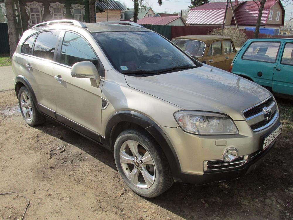 Подержанный Chevrolet Captiva, отличное состояние, коричневый , 2007 года выпуска, цена 450 000 руб. в Твери