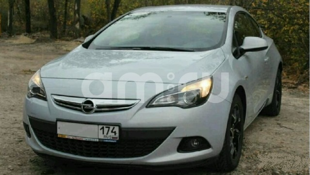 Подержанный Opel Astra, отличное состояние, серебряный металлик, 2012 года выпуска, цена 590 000 руб. в Челябинской области