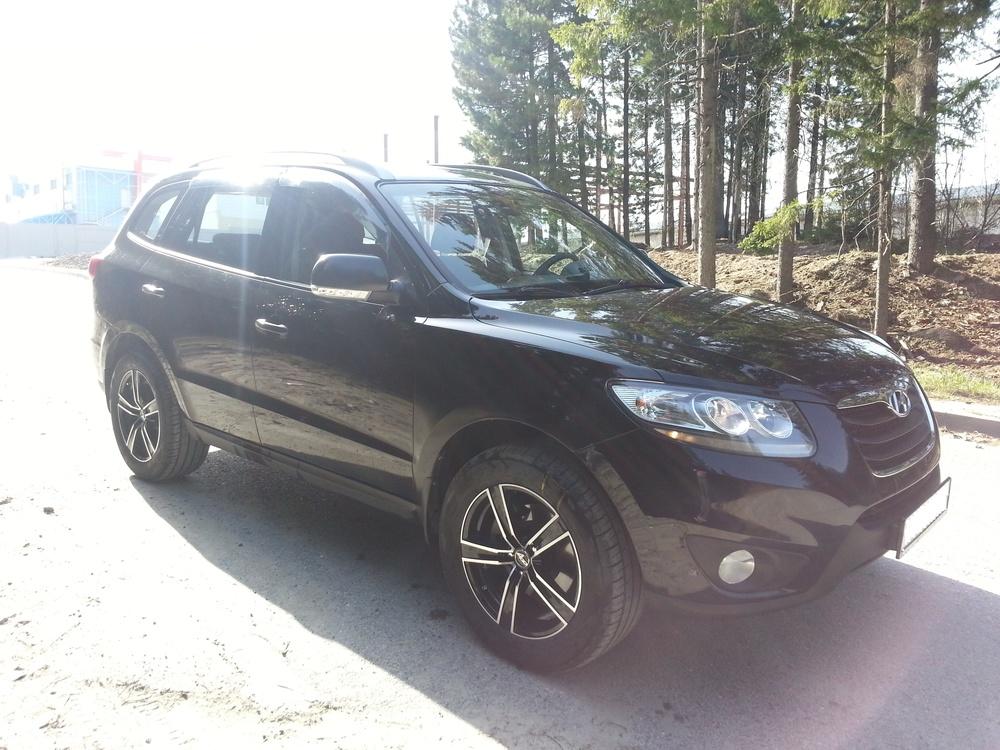 Подержанный Hyundai Santa Fe, хорошее состояние, черный , 2010 года выпуска, цена 900 000 руб. в ао. Ханты-Мансийском Автономном округе - Югре