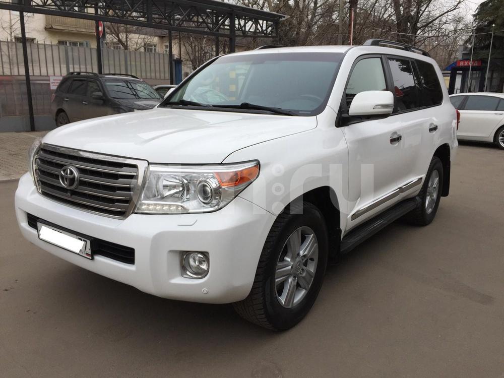 Toyota Land Cruiser с пробегом, белый перламутр, отличное состояние, 2012 года выпуска, цена 2 440 000 руб. в автосалоне  ()