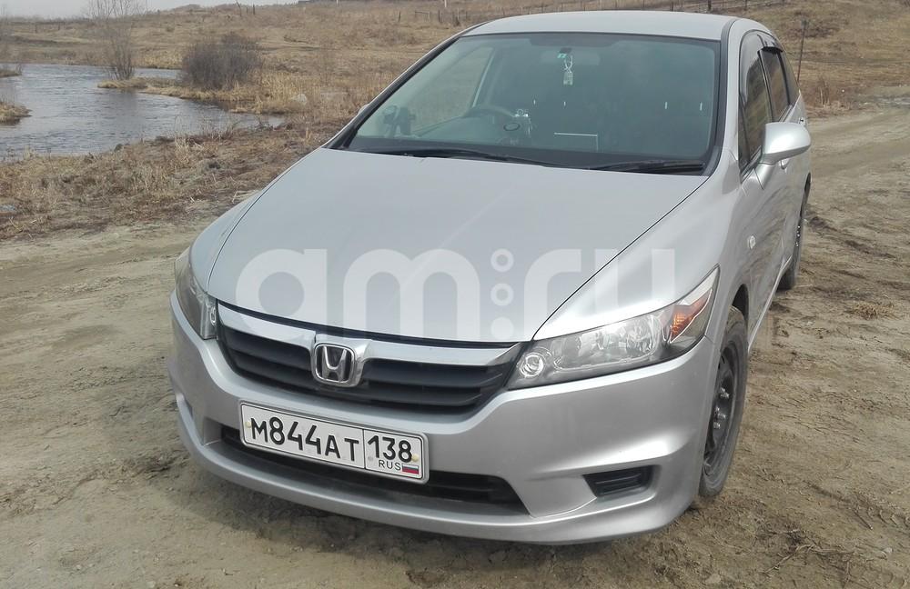 Подержанный Honda Stream, хорошее состояние, серебряный , 2007 года выпуска, цена 530 000 руб. в Иркутской области