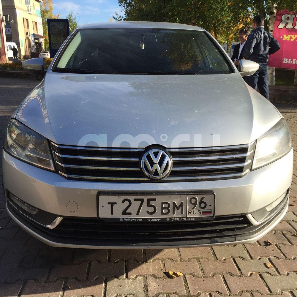 Подержанный Volkswagen Passat, отличное состояние, серебряный металлик, 2011 года выпуска, цена 650 000 руб. в ао. Ханты-Мансийском Автономном округе - Югре