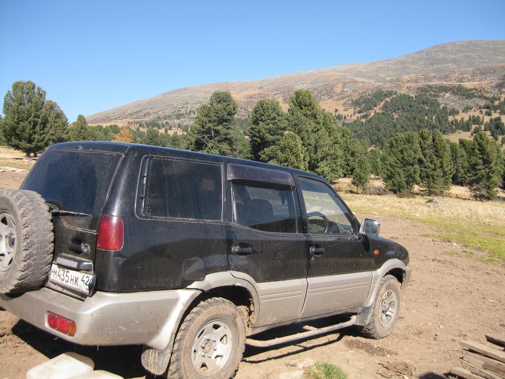 Подержанный Nissan Mistral, среднее состояние, черный , 1994 года выпуска, цена 300 000 руб. в Кемеровской области
