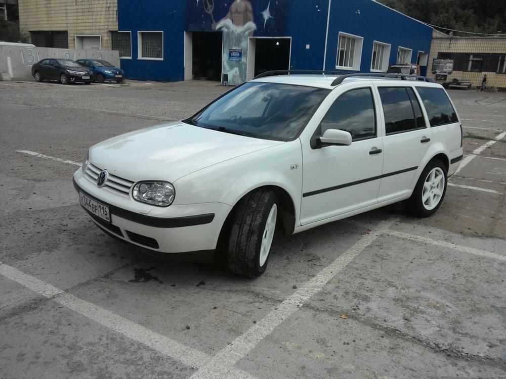 Подержанный Volkswagen Golf, отличное состояние, белый , 2001 года выпуска, цена 250 000 руб. в республике Татарстане
