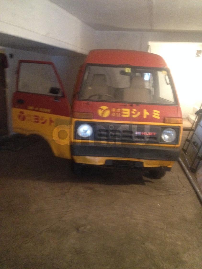 Подержанный Daihatsu Hijet, хорошее состояние, красный , 1984 года выпуска, цена 45 000 руб. в Челябинской области