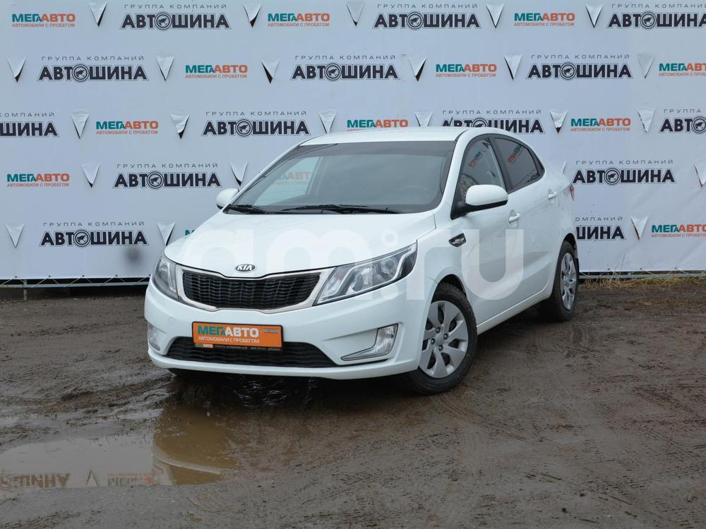 Kia Rio с пробегом, белый , отличное состояние, 2013 года выпуска, цена 447 000 руб. в автосалоне Мега Авто Калуга (Калуга, ул. Зерновая, д. 28)