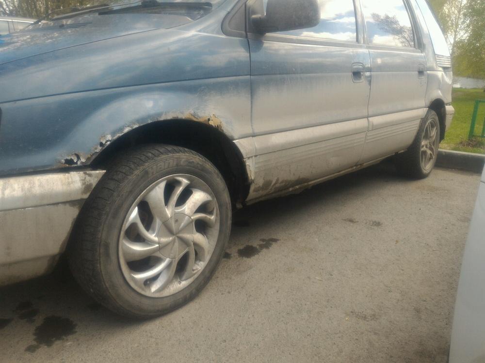 Подержанный Mitsubishi Chariot, среднее состояние, синий , 1992 года выпуска, цена 70 000 руб. в Тюмени