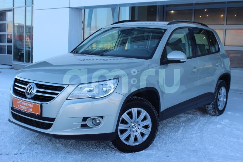 Volkswagen Tiguan с пробегом, серебряный , отличное состояние, 2011 года выпуска, цена 679 000 руб. в автосалоне Автобан-Запад (Екатеринбург, ул. Металлургов, д. 67)