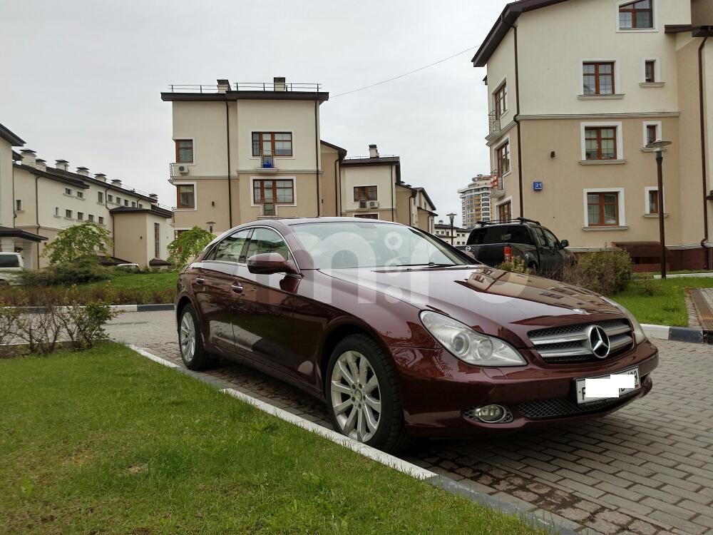 Подержанный Mercedes-Benz CLS-Класс, отличное состояние, коричневый , 2008 года выпуска, цена 890 000 руб. в Москве