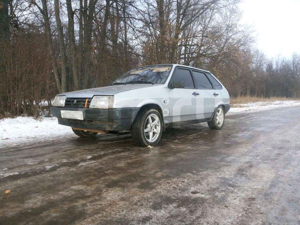Подержанный ВАЗ (Lada) 2109, хорошее состояние, серебряный , 2002 года выпуска, цена 65 000 руб. в республике Татарстане