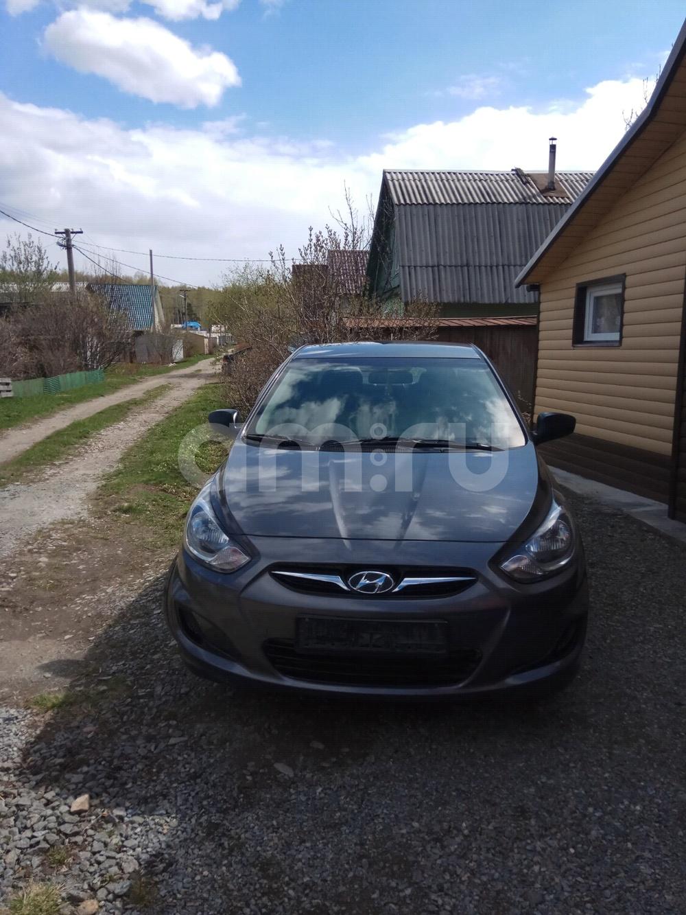 Подержанный Hyundai Solaris, отличное состояние, мокрый асфальт перламутр, 2012 года выпуска, цена 450 000 руб. в Екатеринбурге