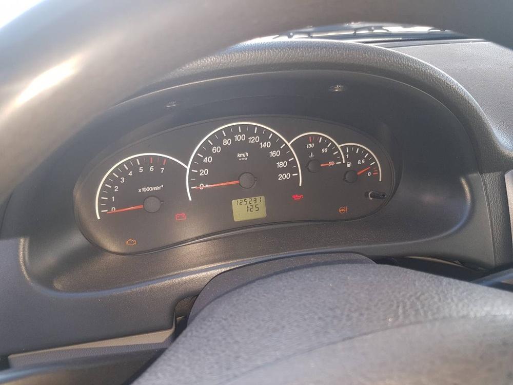 Подержанный ВАЗ (Lada) Priora, хорошее состояние, черный , 2011 года выпуска, цена 225 000 руб. в Челябинской области