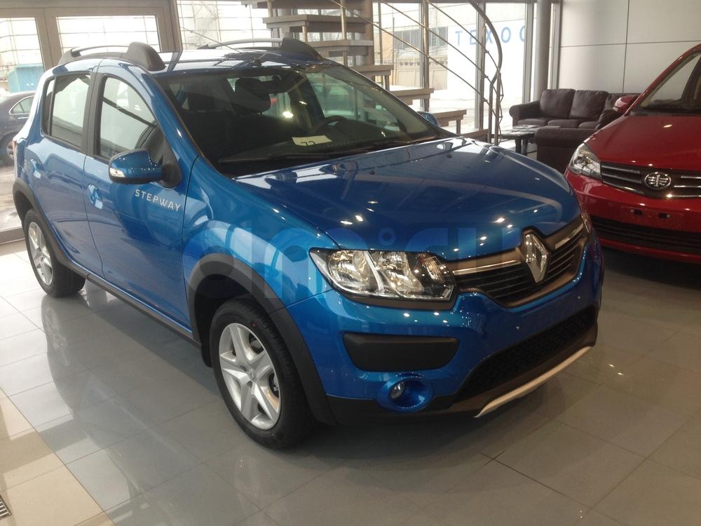 Renault Sandero с пробегом, синий , отличное состояние, 2015 года выпуска, цена 651 000 руб. в автосалоне  ()