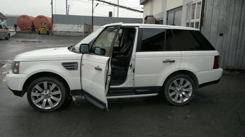 Подержанный Land Rover Range Rover Sport, хорошее состояние, белый , 2008 года выпуска, цена 900 000 руб. в ао. Ханты-Мансийском Автономном округе - Югре