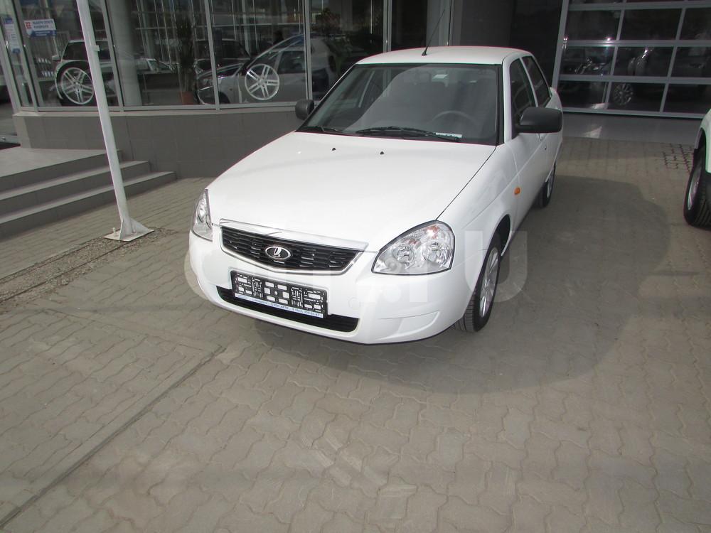 ВАЗ (Lada) Priora с пробегом, белый , отличное состояние, 2016 года выпуска, цена 438 000 руб. в автосалоне  ()