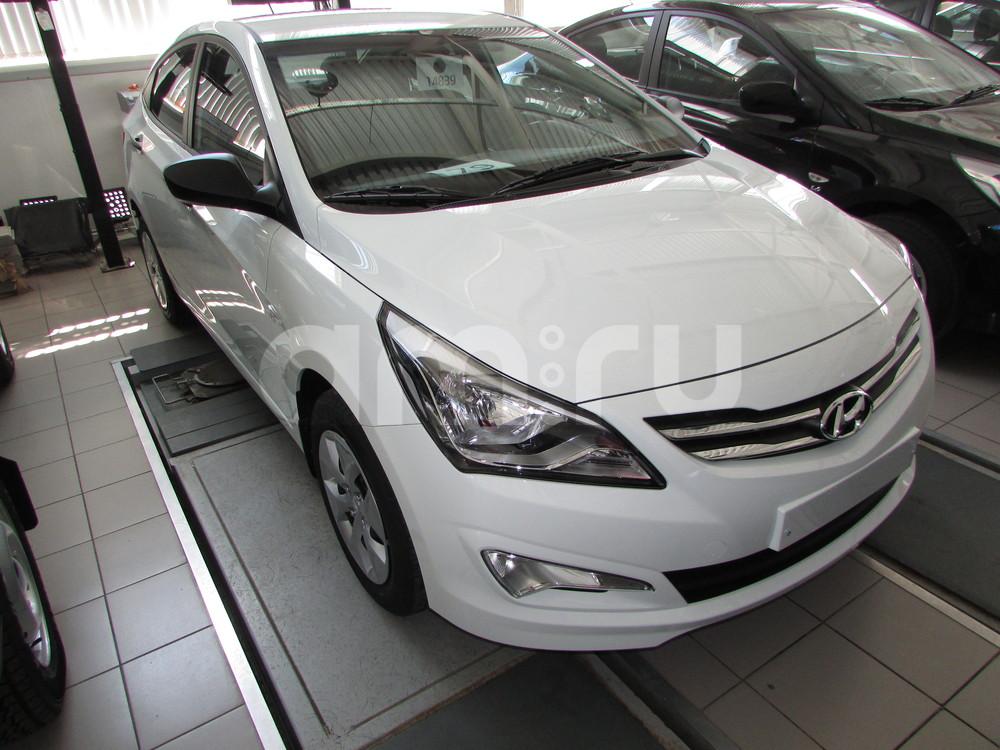 Hyundai Solaris с пробегом, белый , отличное состояние, 2016 года выпуска, цена 579 000 руб. в автосалоне  ()
