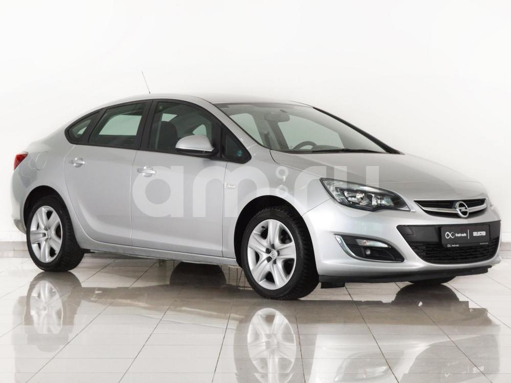 Opel Astra с пробегом, серебряный , отличное состояние, 2013 года выпуска, цена 590 000 руб. в автосалоне  ()