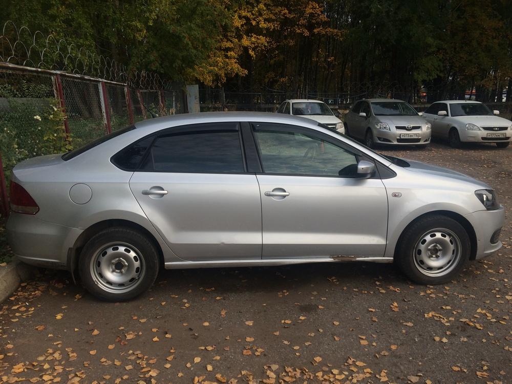 Подержанный Volkswagen Polo, хорошее состояние, серебряный металлик, 2012 года выпуска, цена 410 000 руб. в республике Татарстане