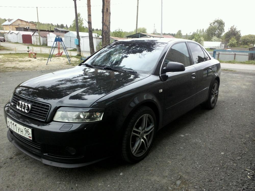 Подержанный Audi A4, отличное состояние, черный металлик, 2003 года выпуска, цена 380 000 руб. в Тюмени