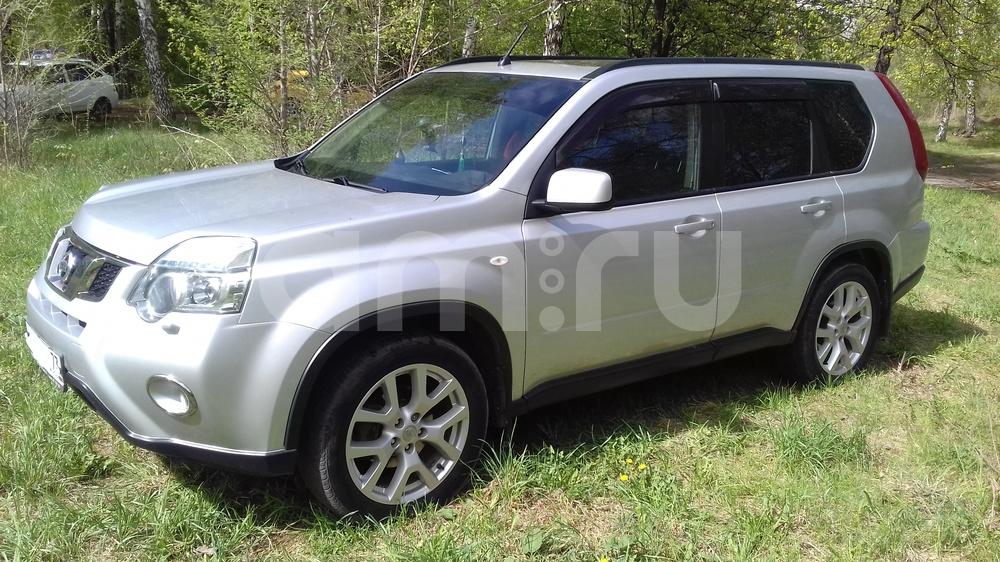 Подержанный Nissan X-Trail, отличное состояние, серебряный , 2011 года выпуска, цена 800 000 руб. в Ульяновске
