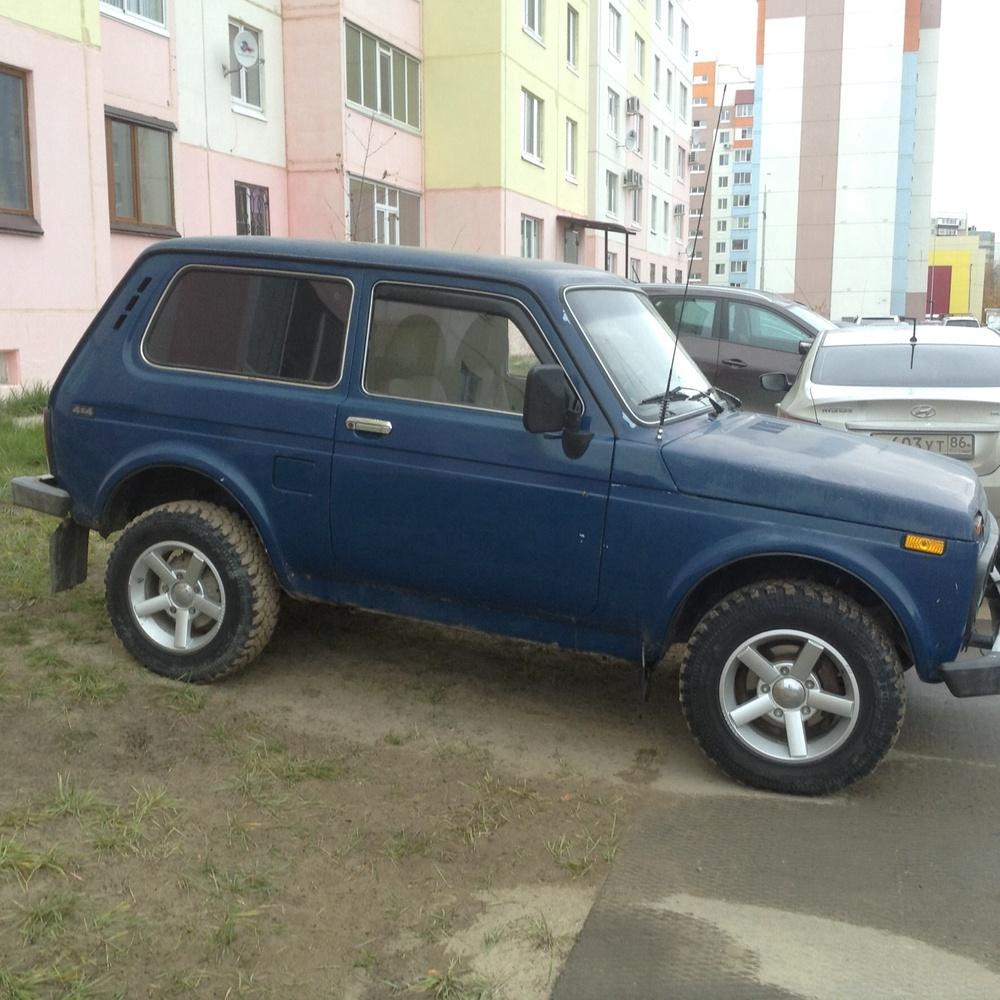 Подержанный ВАЗ (Lada) 4x4, хорошее состояние, синий матовый, 2005 года выпуска, цена 180 000 руб. в ао. Ханты-Мансийском Автономном округе - Югре