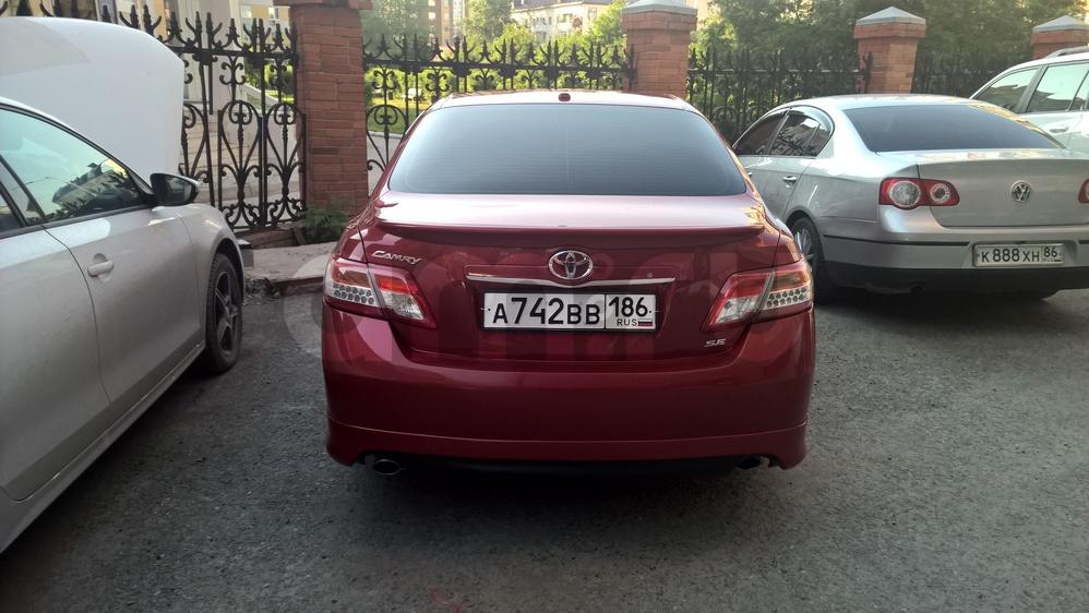 Подержанный Toyota Camry, отличное состояние, вишневый металлик, 2011 года выпуска, цена 888 000 руб. в ао. Ханты-Мансийском Автономном округе - Югре
