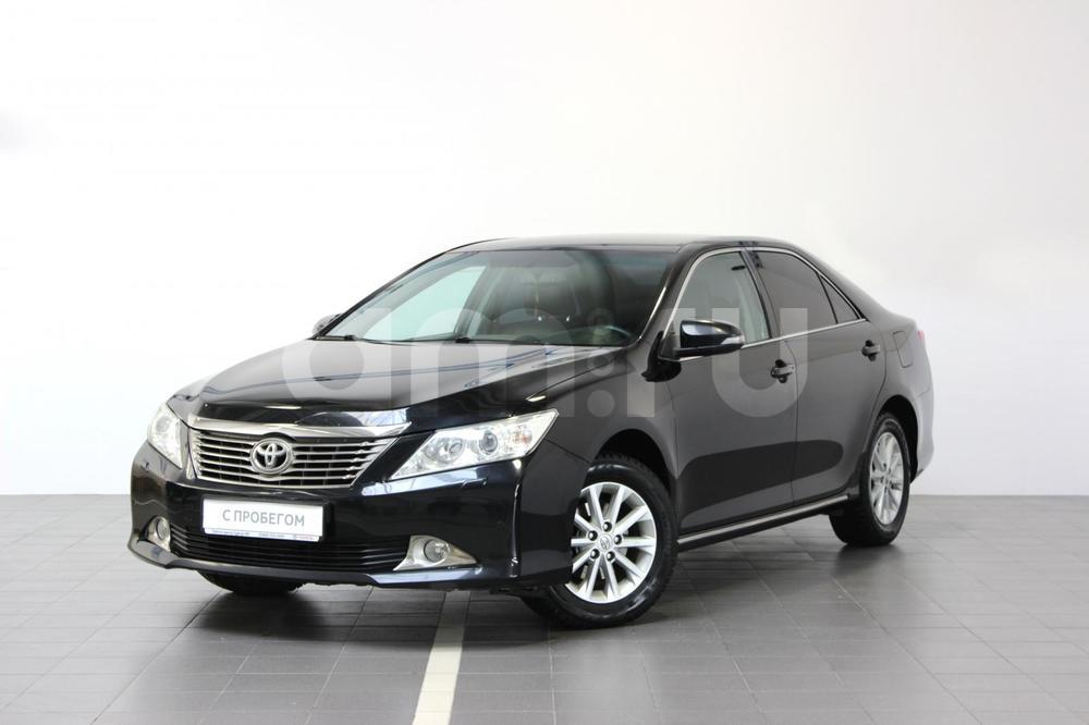 Toyota Camry с пробегом, черный металлик, отличное состояние, 2012 года выпуска, цена 1 119 000 руб. в автосалоне Тойота Центр Сургут Юг (Сургут, тракт Югорский, д. 23, стр. 1)