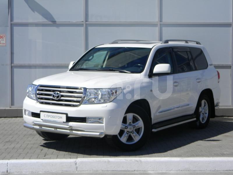 Toyota Land Cruiser с пробегом, белый акрил, отличное состояние, 2011 года выпуска, цена 2 300 000 руб. в автосалоне  ()
