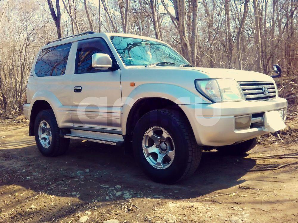 Подержанный Toyota Land Cruiser Prado, отличное состояние, серебряный , 2000 года выпуска, цена 650 000 руб. в Владивостоке