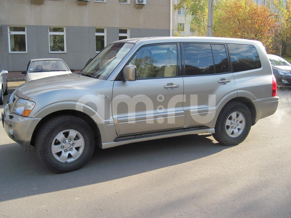 Подержанный Mitsubishi Pajero, хорошее состояние, сафари , 2004 года выпуска, цена 630 000 руб. в Челябинской области