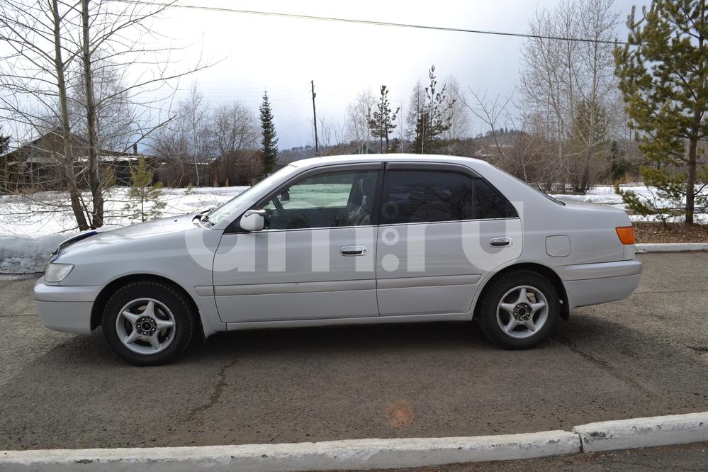 Подержанный Toyota Premio, хорошее состояние, серебряный перламутр, 2000 года выпуска, цена 285 000 руб. в Иркутской области