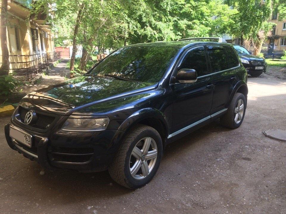 Подержанный Volkswagen Touareg, хорошее состояние, черный металлик, 2006 года выпуска, цена 570 000 руб. в Самаре