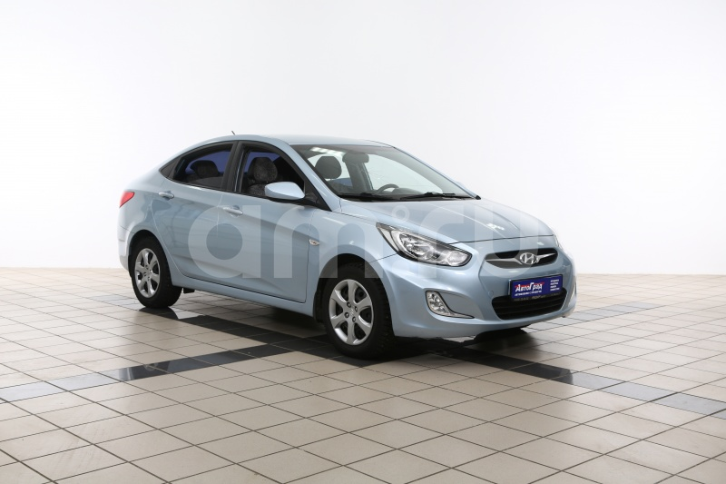 Hyundai Solaris с пробегом, голубой металлик, отличное состояние, 2013 года выпуска, цена 487 000 руб. в автосалоне АвтоГрад Нормандия (Иваново, ул. Полка Нормандия-Неман, д. 7, стр. 2)