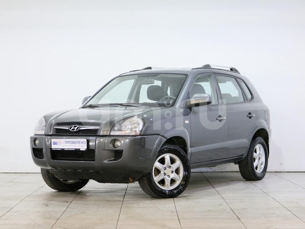 Hyundai Tucson с пробегом, серый , отличное состояние, 2008 года выпуска, цена 522 000 руб. в автосалоне РОЛЬФ Октябрьская Blue Fish (Санкт-Петербург, наб. Октябрьская, д. 8, корп. 2)
