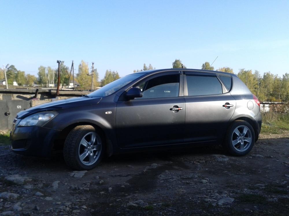 Подержанный Kia Cee'd, отличное состояние, мокрый асфальт металлик, 2007 года выпуска, цена 350 000 руб. в Челябинской области
