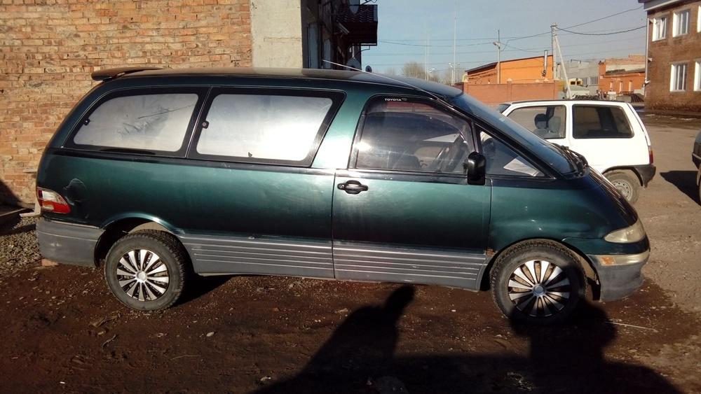 Подержанный Toyota Estima, отличное состояние, зеленый , 1993 года выпуска, цена 180 000 руб. в Омске