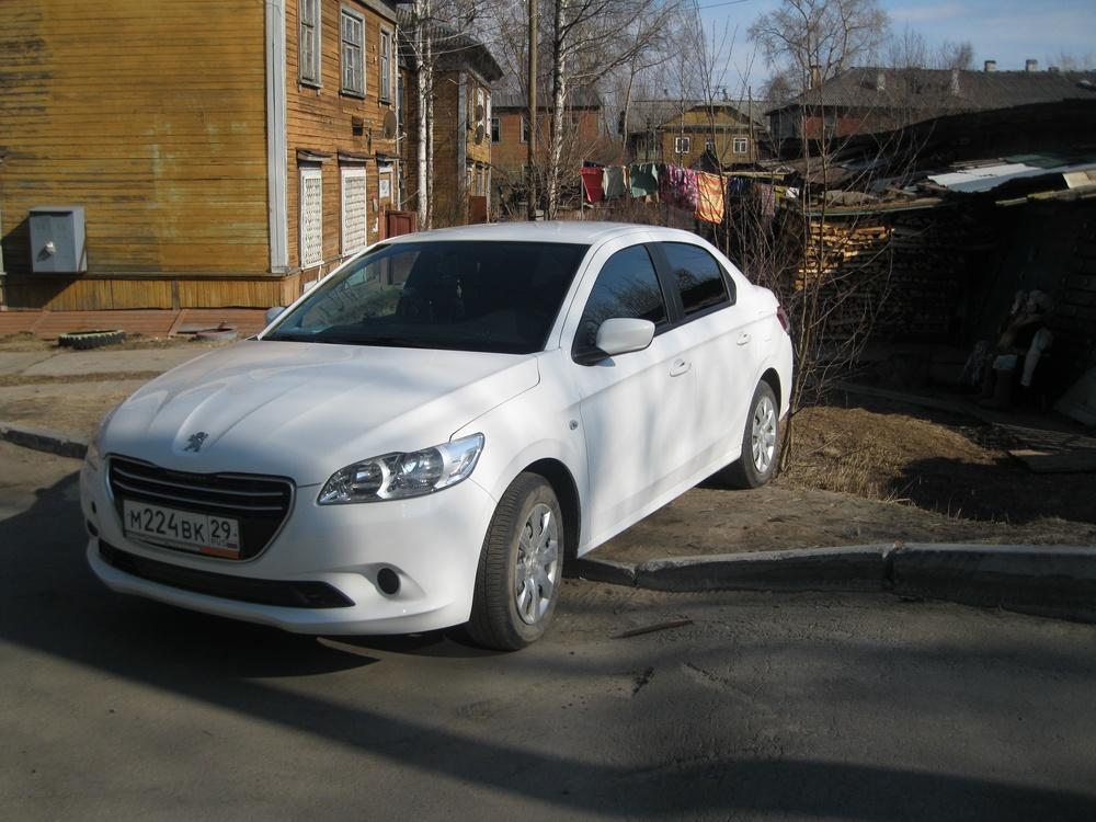 Подержанный Peugeot 301, хорошее состояние, белый , 2013 года выпуска, цена 410 000 руб. в Архангельске