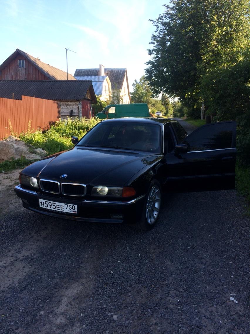 Подержанный BMW 7 серия, хорошее состояние, черный , 1996 года выпуска, цена 200 000 руб. в Смоленской области