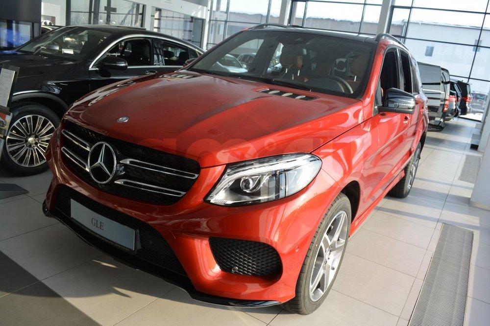 Новый авто Mercedes-Benz GLE-Класс, красный металлик, 2016 года выпуска, цена 5 090 000 руб. в автосалоне МБ-Орловка (Набережные Челны, тракт Мензелинский, д. 24)